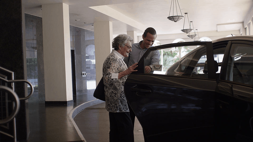 A senior enjoying the benefits of Uber